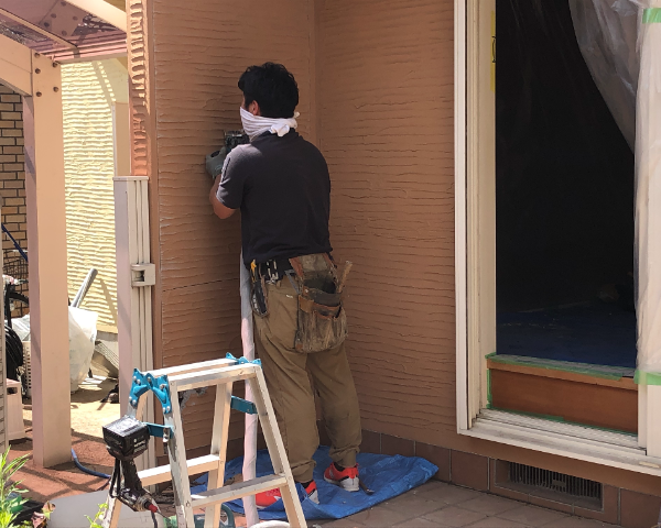 Before:シロアリ被害修繕工事(お絵描きシート貼り)